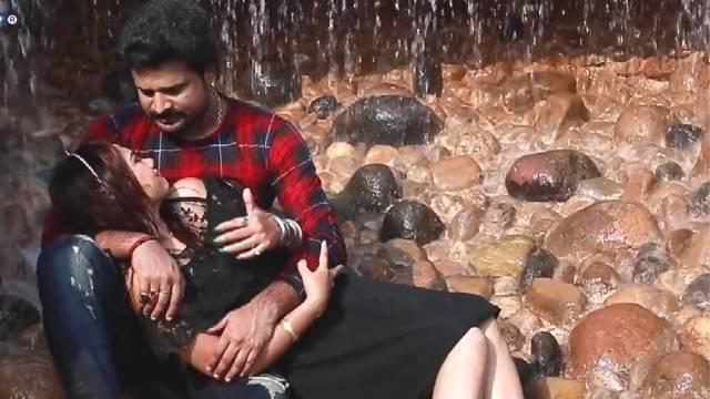 Ritesh Pandey,[Watch] Bhojpuri Superhit Song Piyawa se pahile hamar rahalu|Ritesh Pandey